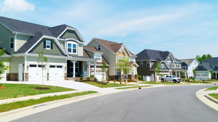 Housing Rallies as Lower Rates Make Investors View the Glass as Half Full